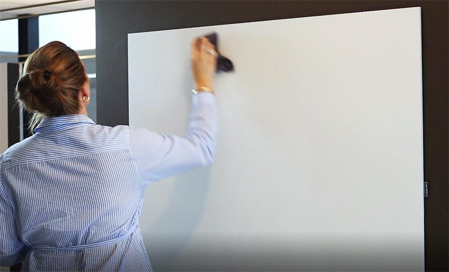Reinigen van een nieuw whiteboard